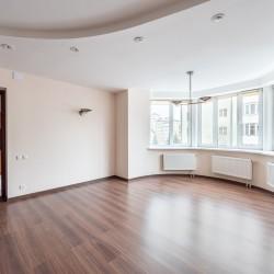 5-комнатная квартира, ул. Энгельса, д.30