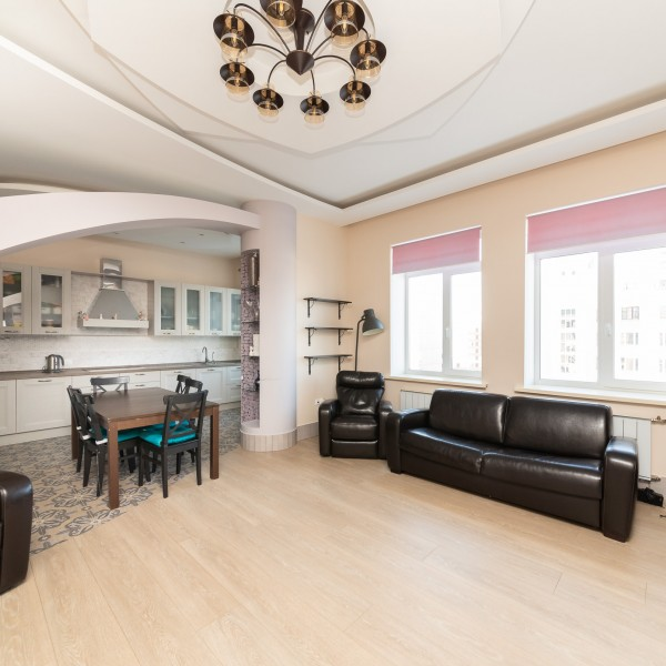 6-комнатная квартира, ул. Мира, 44а
