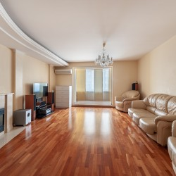 2-комнатная квартира в Центре, ул. Радищева, д.31